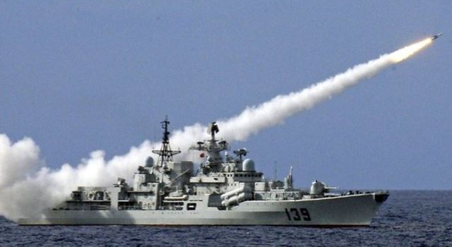 Trung Quốc vội thanh minh việc tập trận trên biển Đông