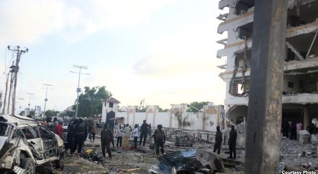 Đánh bom đẫm máu tại khách sạn đặt sứ quán Trung Quốc ở Somalia