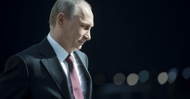 """Ông Putin mỉa mai châu Âu vì cứ phải """"nghe lời"""" Mỹ"""