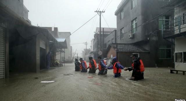 Siêu bão Soudelor tàn phá Trung Quốc, 8 người thiệt mạng