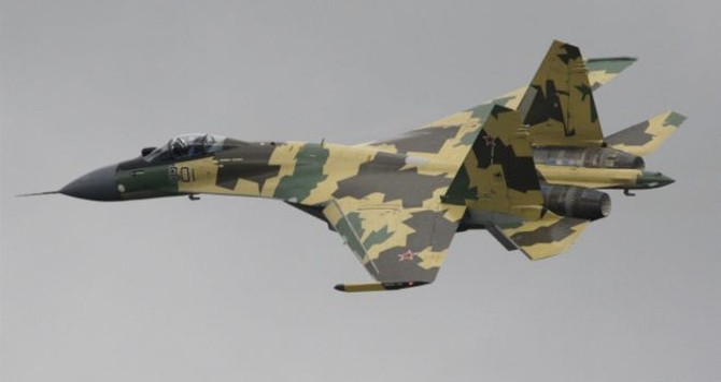 """Cú tiếp đất """"suýt chết"""" của siêu chiến đấu cơ Su-35 Nga"""
