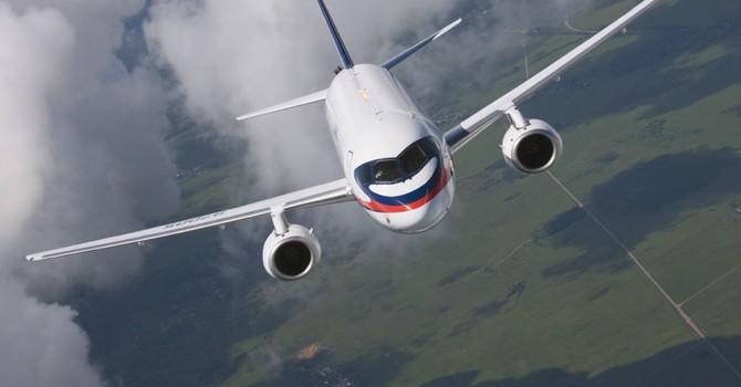 """Hãng máy bay Sukhoi của Nga """"gặp hạn"""" vì lệnh trừng phạt của Phương Tây"""