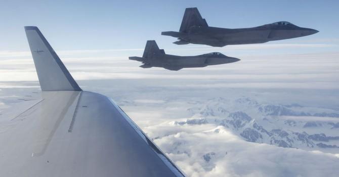 Mỹ lần đầu tiên gửi chiến đấu cơ F-22 đến châu Âu