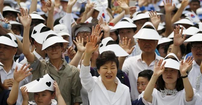 """Quan hệ Seoul và Bắc Kinh """"nồng ấm"""", Bình Nhưỡng thêm cô lập"""