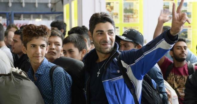 Áo và Đức chào đón người di cư mắc kẹt