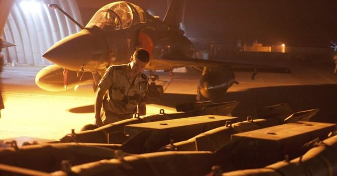 Pháp và Anh muốn không kích quân IS tại Syria