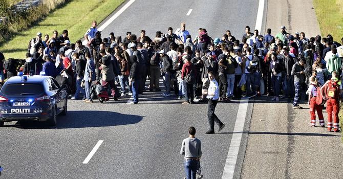 Báo Nga: Hungary đưa lính đến biên giới với Serbia chặn di dân