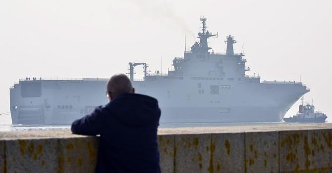 Nga điều phái đoàn sang Pháp tháo dỡ thiết bị trên tàu Mistral