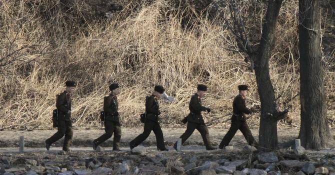 Đói khổ, lính Bắc Triều Tiên vượt biên sang Trung Quốc cướp bóc?