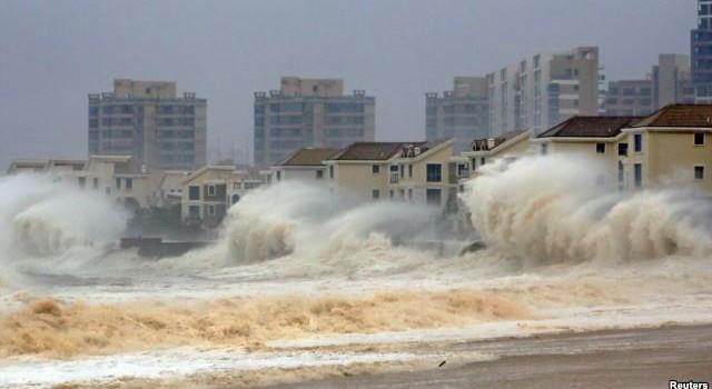 Siêu bão quét vào miền nam Trung Quốc, 40.000 tàu thuyền phải lánh nạn