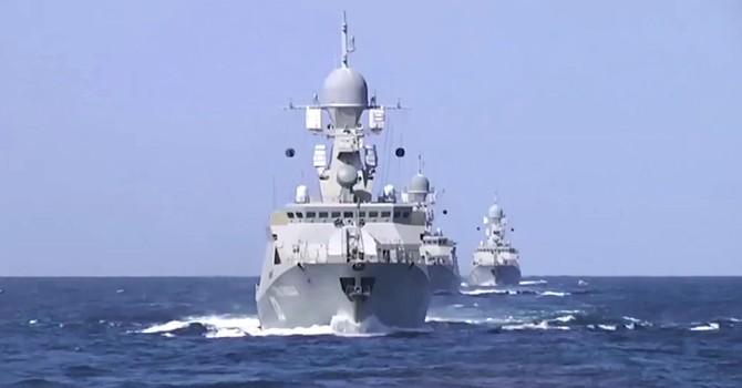 Hạm đội Caspi Nga giáng đòn vào IS làm phương Tây kinh ngạc