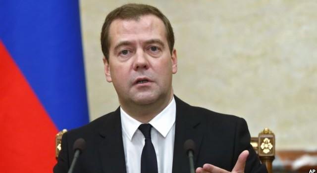 Ông Medvedev: Chiến dịch của Nga là để đánh bại IS ở Syria