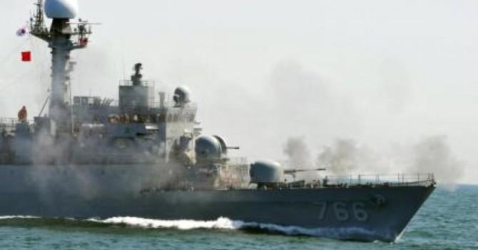 Hải quân Hàn Quốc săn đuổi tàu Trung Quốc, bắn cảnh cáo tàu chiến Triều Tiên