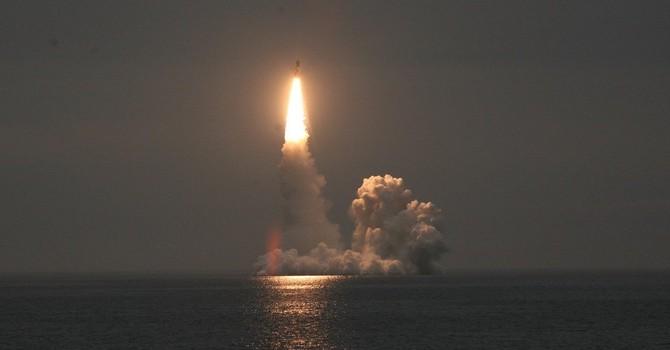Tàu ngầm hạt nhân của Nga bắn hai tên lửa đạn đạo liên lục địa