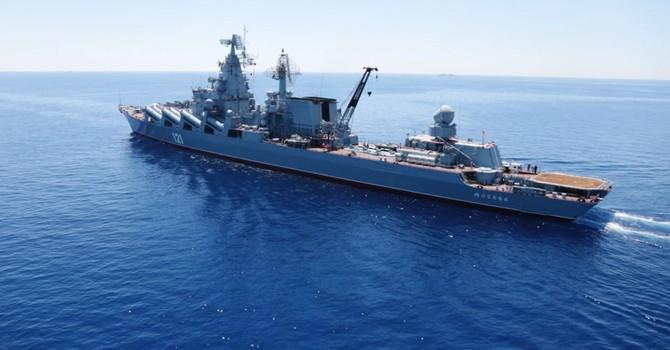 Nga điều tàu chiến đến bảo vệ căn cứ không quân ở Syria