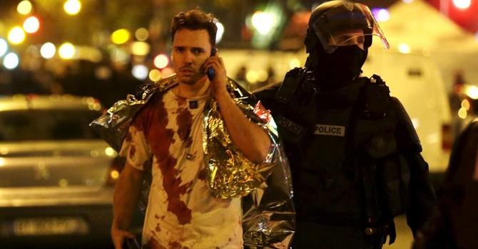 Nhân chứng sống sót kể về 2 giờ rưỡi với bọn khủng bố ở Paris