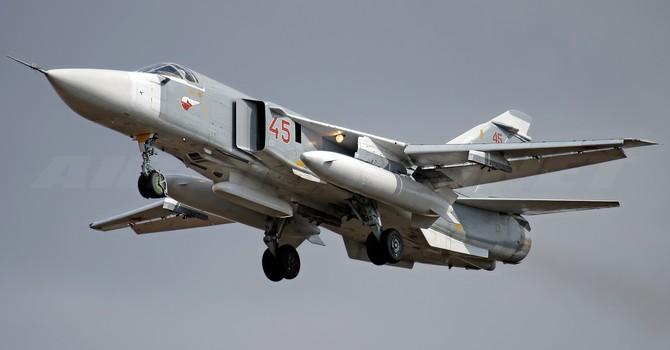 Khám phá sức mạnh máy bay ném bom Su-24M của Nga
