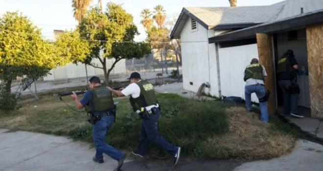 Tìm thấy kho vũ khí, thuốc nổ trong nhà nghi phạm xả súng ở Mỹ
