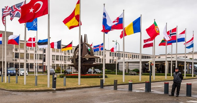 """""""Hàng xóm"""" của Nga định cho NATO bố trí vũ khí hạt nhân trên lãnh thổ"""