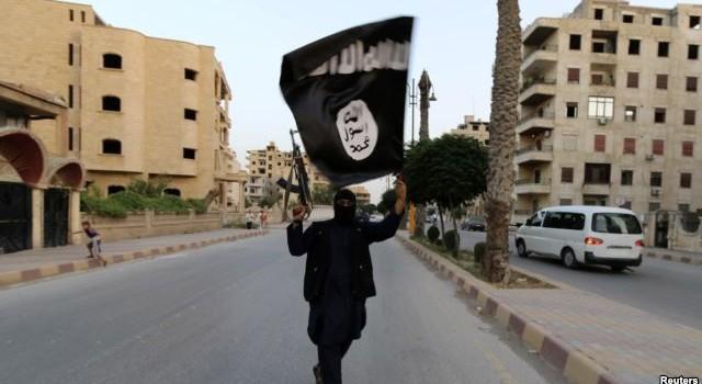 IS gia tăng việc bắt trẻ em cầm súng ra trận