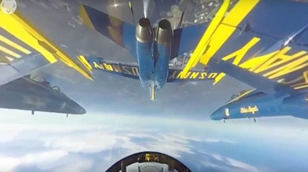 """Đội bay Hải quân Mỹ """"thách thức tử thần"""""""