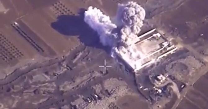Không lực Nga ném 2.000 quả bom diệt IS trong 4 ngày