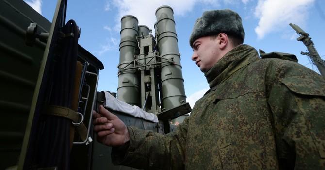 Nga bắt đầu đưa hệ thống tên lửa S-400 vào trực chiến