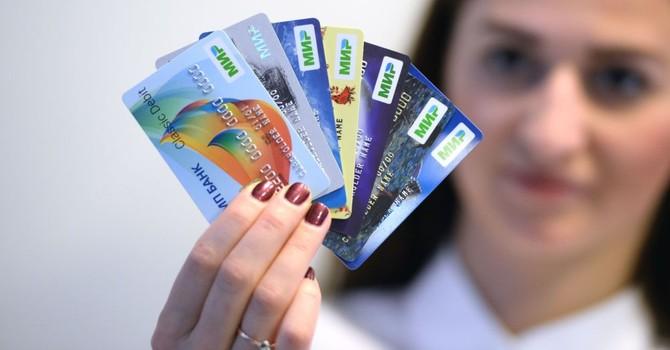 """Cấm cửa Visa và Master, Nga ra mắt thẻ thanh toán """"quốc tế"""" riêng"""