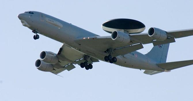 NATO sẽ tăng cường giám sát bầu trời trên biên giới giữa Thổ Nhĩ Kỳ và Syria