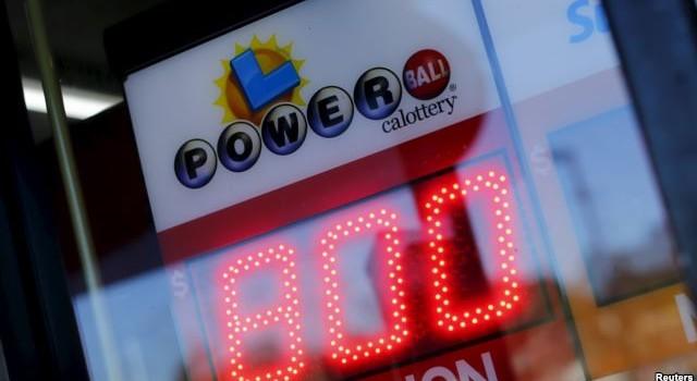 """Dân Mỹ đua nhau mua vé số Powerball vì có người """"ẵm"""" 800 triệu USD"""