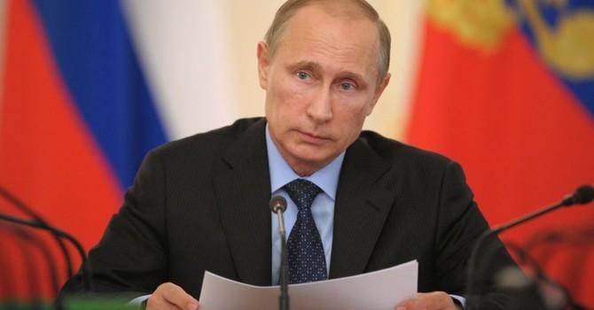 Ông Putin cho 10 tướng lĩnh thôi việc