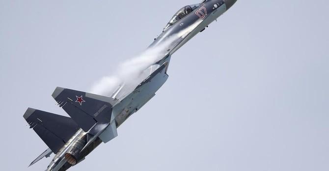 Indonesia đặt mua một loạt chiến đấu cơ Sukhoi của Nga
