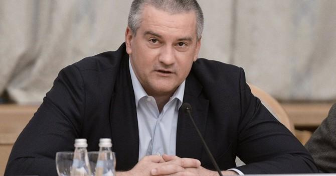 """Lãnh đạo Crimea: """"Mỹ gia hạn trừng phạt Nga vì ghen tức"""""""