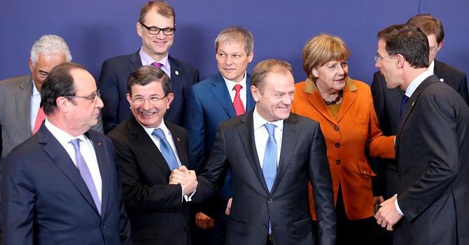 Báo Nga: Tuyến đường Balkan đã chết, Schengen muôn năm!