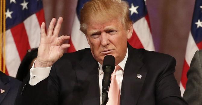 Công ty sản xuất bồn cầu Trung Quốc sắp hầu tòa với ông Donald Trump