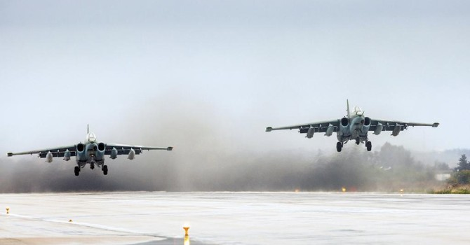 """Không quân Nga-Syria tăng cường oanh kích IS, """"nhiều thường dân thiệt mạng"""""""