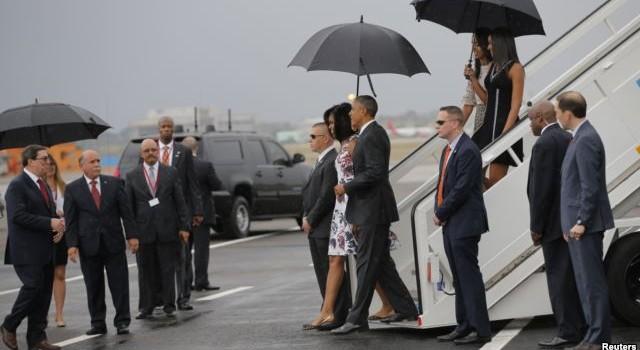 Tổng thống Mỹ đặt chân xuống Cuba trong chuyến thăm lịch sử