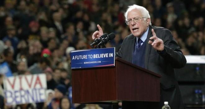 """Đua vào Nhà Trắng: Ông Sanders """"qua mặt"""" bà Hillary ở Washington và Alaska"""