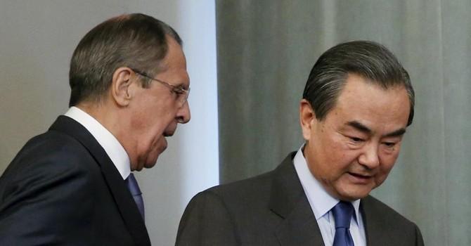 Biển Đông: Nga-Trung đối đầu với Mỹ