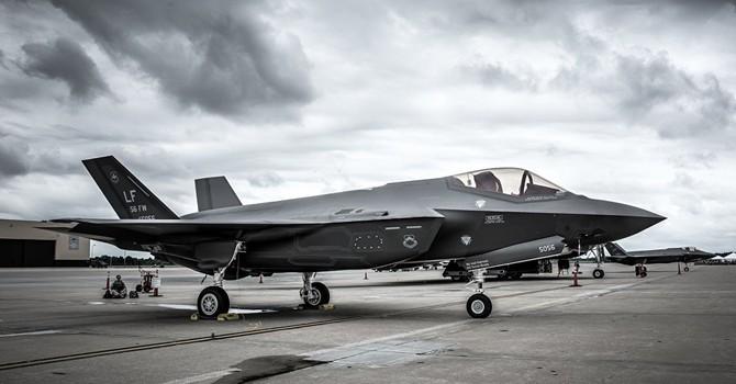 Ông John McCain: Phát triển chiến đấu cơ F-35 là bê bối và bi kịch