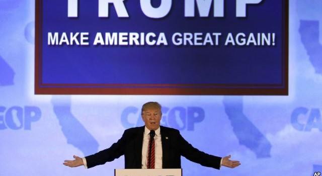 Ông Trump bị phản đối kịch liệt khi đi vận động ở California