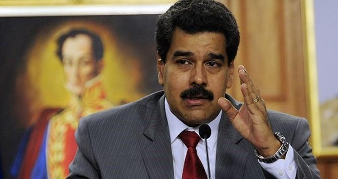Phe đối lập Venezuela nộp kiến nghị đòi bãi nhiệm tổng thống