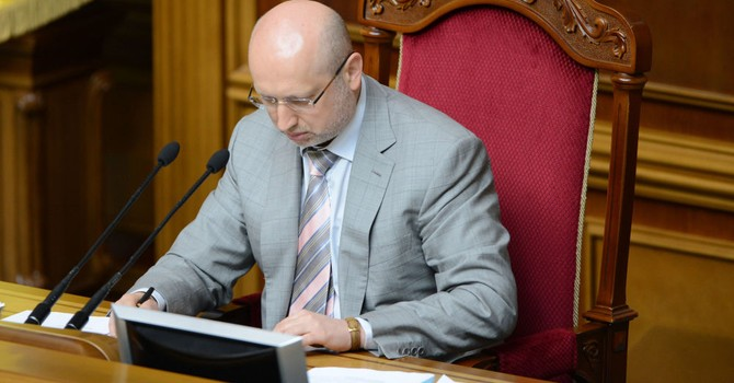 Ông Turchinov muốn vũ trang Ukraine sau nhận định của ông Putin