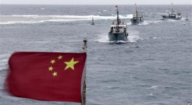 Tàu chiến Indonesia qua mặt tàu hải cảnh, bắt tàu cá Trung Quốc gần Biển Đông