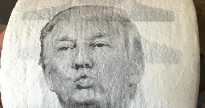 """Dân Trung Quốc """"chuộng"""" giấy vệ sinh có hình ông Trump và bà Clinton"""