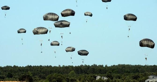 """Đức chỉ trích thái độ """"biểu dương lực lượng"""" của NATO với Nga"""