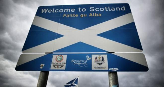 """Scotland sẽ tách khỏi Vương quốc Anh để về với """"mái nhà"""" EU?"""
