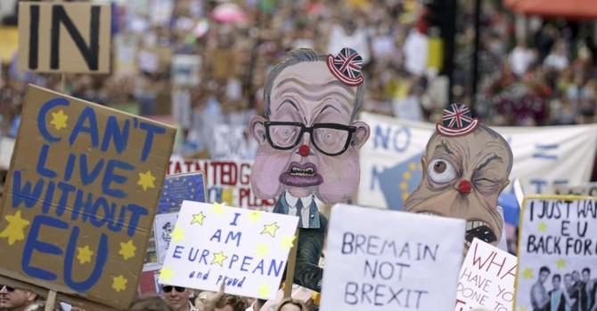 London: Người dân xuống đường biểu tình phản đối Brexit
