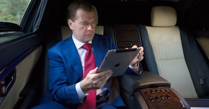 Ông Medvedev: Nga có thể tự cung tự cấp để nuôi sống bản thân