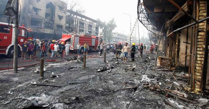 IS đánh bom kép ở Baghdad giết chết hơn 130 người